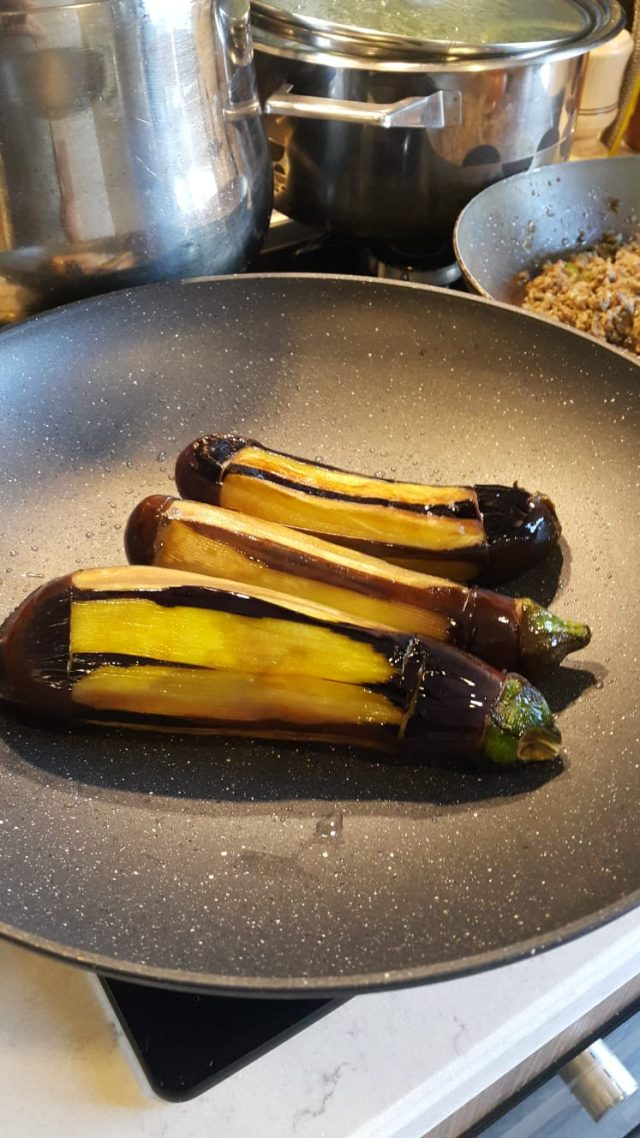 Fırında patlıcanlar
